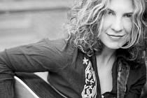 JANET ROBIN. Americká zpěvačka a kytaristka.