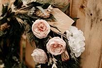 Smuteční květy. Ilustrační foto.