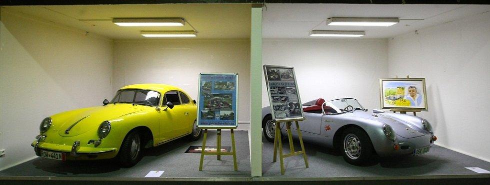 V libereckém výstavišti probíhá sraz historických vozidel.