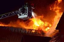 Požár v areálu Jezdecké školy JS Vysoká a Farmy Vysoká nedaleko Chrastavy.