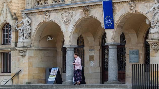 Stezka začíná u liberecké Oblastní galerie.
