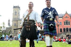 Skotské hry na Sychrově.