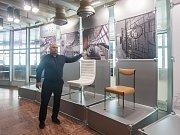 Filip Hásek na výstavě dobového vybavení hotelu Ještěd s názvem Ještěd Originál. Snímek je z 14. listopadu.