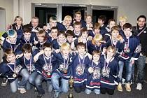 MISTŘI REPUBLIKY. Hokejisté 8. třídy HC Bílí Tygři Liberec.