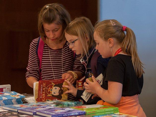 Jedenáctý ročník Veletrhu dětské knihy probíhal 8. června v Liberci.