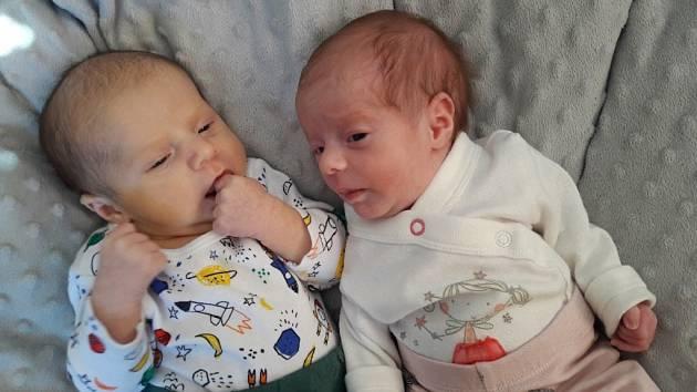 Nella Sofia a Filip Aichmaierovi se narodili 24. ledna v liberecké porodnici mamince Simoně Aichmaierové z Liberce. Nella vážila 1,4 kg a měřila 41 cm. Filip vážil 3,1 kg a měřil 50 cm.