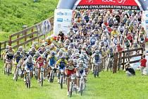 356 cyklistů zdolávalo 30 a 60 kilometrů dlouhou trať mezi Libercem, Jabloncem a Hodkovicemi polními, lesními ale i asfaltovými cestami