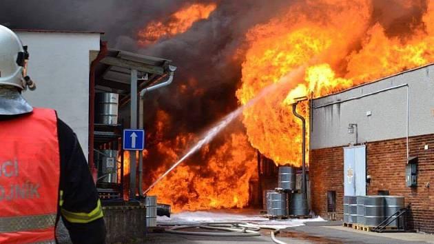 Požár v areálu liberecké Severochemy.
