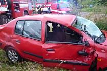 Srážka vlaku s osobním autem v Liberci.