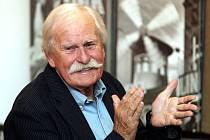 ADOLF BORN, čtyřiaosmdesátiletÝ výtvarník.
