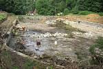 Lesní koupaliště v Lidových Sadech se změnilo v jedno velké staveniště.