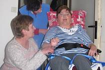 Paní Pavlíně se podle jejích slov relaxační pobyt líbil. Parafínové zábaly, které tu absolvovala, jí pomohly na bolavé nohy.