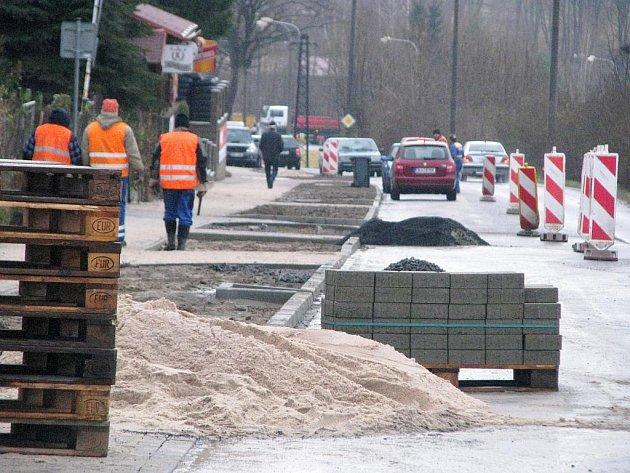 Stavba silnice. Ilustrační snímek.