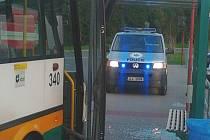 Jízda autobusu bez řidiče skončila po pár metrech.