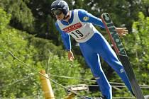 PAVEL CHURAVÝ LETÍ. Liberecký sdruženář si vyzkoušel můstek v Harrachově na Poháru Libereckého kraje, který byl na začátku srpna.