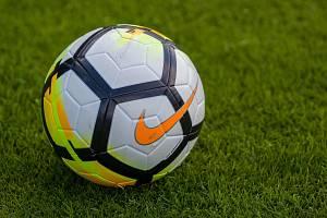 Zápas 5. kola fotbalové Divize C mezi týmy TJ Velké Hamry a TJ Dvůr Králové nad Labem se odehrál 8. září ve Velkých Hamrech.