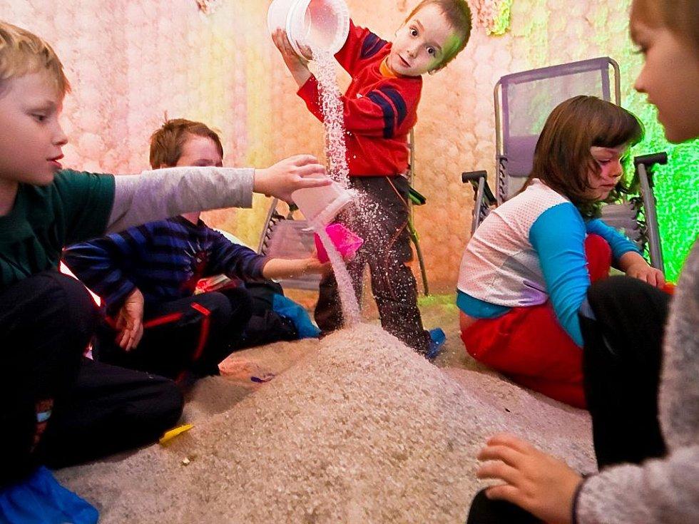V libereckém Energy centru jsou častými hosty mateřské školky, děti se tu vyřádí v solné jeskyni.