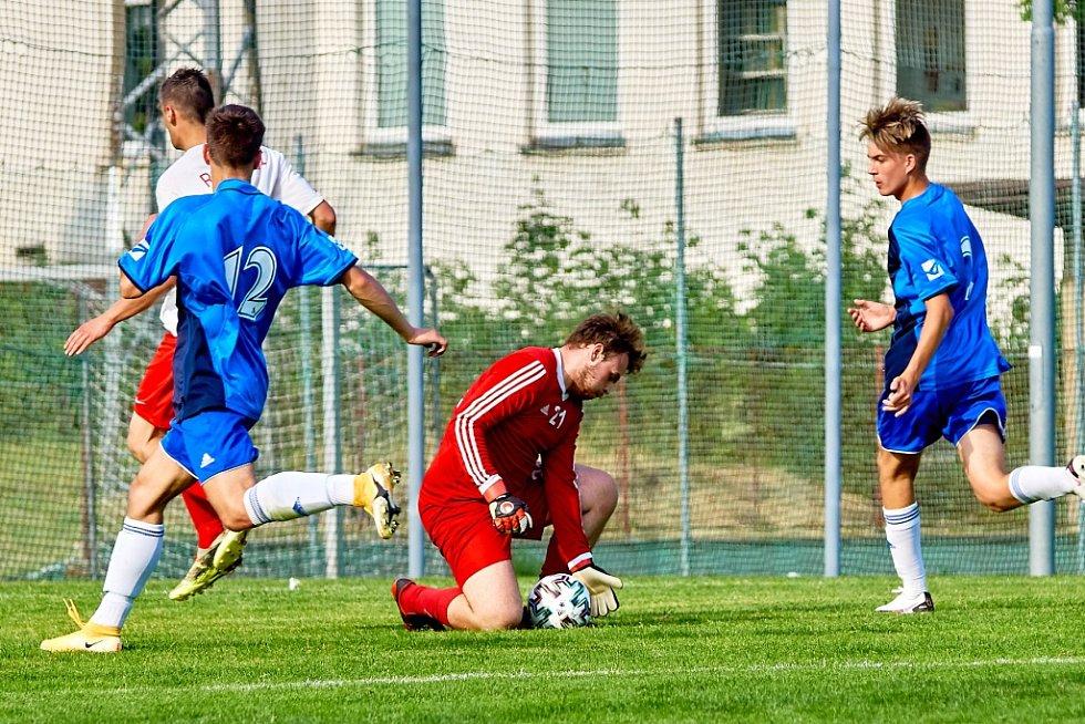 Utkání Hodkovice (modré dresy) - Rozstání skončilo výsledkem 1:3.