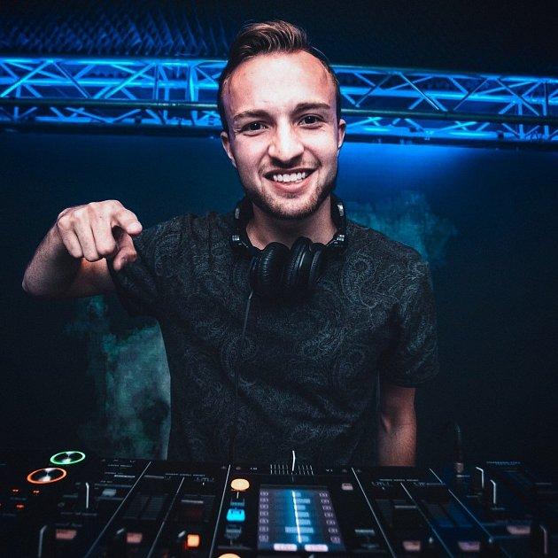 DJ Dominik Wolf.