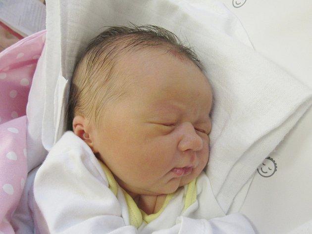 MARKÉTA VRBĚCKÁ Narodila se 22. října v liberecké porodnici rodičům Marii Kaliničové a Michalovi Vrběckému z Raspenavy. Vážila 3,35 kg a měřila 48 cm.