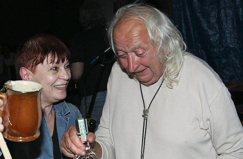 JÜRGENOVY SEDMDESÁTINY. Pivovarská restaurace, 2011.