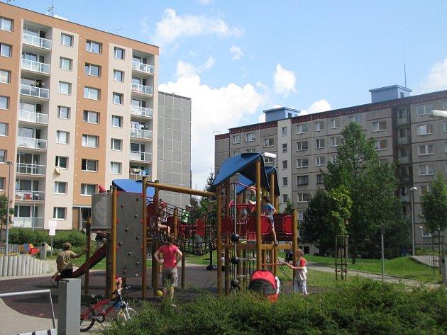 LIDÉ SI POCHVALUJÍ hlavně nově vybudované dětské hřiště.