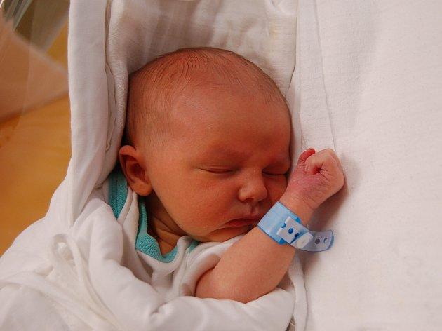 JAKUB KOPEJSKO  Narodil se 25. prosince v liberecké porodnici mamince Adéle Lancové z Hrádku nad Nisou.  Vážil 3,36 kg a měřil 50 cm.