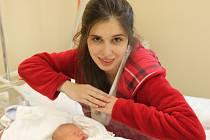Mamince Žanetě Henyšové z Liberce se dne 9. listopadu v liberecké porodnici narodil syn Antonín. Měřil 51 cm a vážil 3,5 kg.