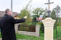 KŘÍZEK vysvětil generální vikář Stanislav Přibyl.