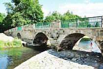 Most v Mimoni se uchází o cenu sympatie.