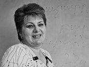 Ruzanna GRIGORJANOVÁ se narodila v hlavním městě Arménie Jerevanu. Do tehdejšího Československa přišla diplomovaná programátorka kvůli neléčitelné srdeční vadě své dcery. S manželem, stavebním inženýrem žije v Liberci. Nyní pracuje v neziskové organizaci,