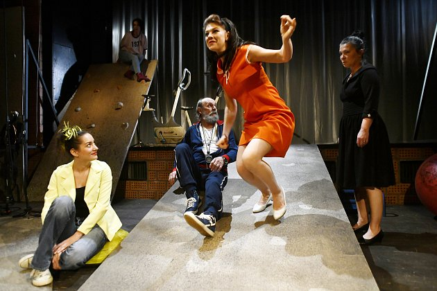 Novou inscenaci slovenské dramatičky Lenky Čepkové uvádí liberecké divadlo ve světové premiéře.