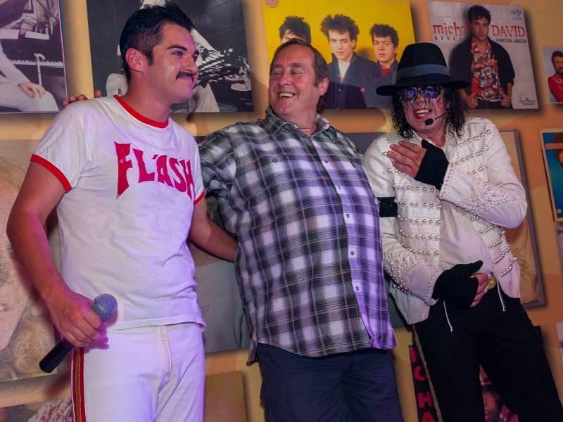 PETER FREESTONE, bývalý velmi blízký přítel a osobní asistent Freddieho Mercuryho ze skupiny Queen, navštívil retro klub v Liberci.