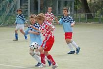 MC DONALD´S CUP. Vlevo Radek Czichoň (Vrchlického) a Luděk Černohorský (Barvířská).