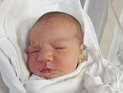 NICOL KLIKORKOVÁ Narodila se 15. října v liberecké porodnici mamince Veronice Blažkové z Liberce. Vážila 4,02 kg a měřila 51 cm.