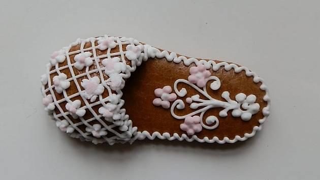 VLibereckém kraji se tvorbě této pochoutky věnuje nositelka titulu Mistryně tradiční rukodělné výroby Jiřina Růtová, která pochází z Janova Dolu v Podještědí.