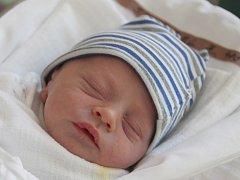 Matyáš Sterzel se narodil 25. dubna Monice Sterzelové ze Stráže pod Ralskem.  Vážil 2460 gramů a měřil 45 centimetrů.