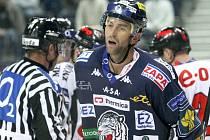 Lídr hokejových Bílých Tygrů Liberec Petr Nedvěd.