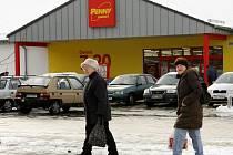 PO POTRAVINÁCH I TEXTIL? V Chrastavě vyroste v průběhu letošního roku nový market. Pravděpodobně půjde o prodejnu německého textilu.
