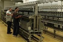 Prosperující fabrika Hoftex, která od roku 1994 vyráběla textilní přízi, skončila před několika dny v liberecké části Machnín.