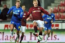 Jiří Jarošík (vpravo) na archivním snímku z utkání Sparty Praha proti Slovanu Liberec. Vlevo Jan Blažek
