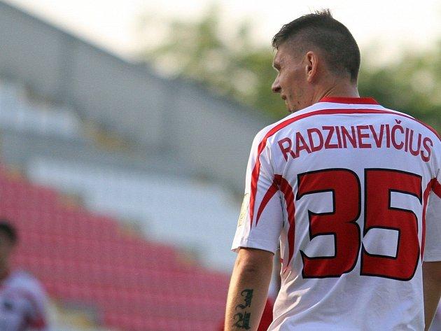 Litevský exreprezentant, bývalý hráč ligového Liberce, Opavy a Karviné Tomas Radzinevicius přichází do fotbalové Chrastavy.