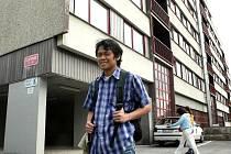 Ubytování na vysokoškolských kolejích v Liberci, ve Vesci nebo v Harcově, získá podle vedení univerzity téměř každý student, který si o ně požádá a splní podmínky přidělení.