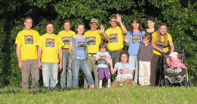 KACANOVŠTÍ ZDRAVÍ SVÉHO TIBEŤANA. Ragbyala podporují několik let. Nyní vybírají na jeho letenku do Česka.