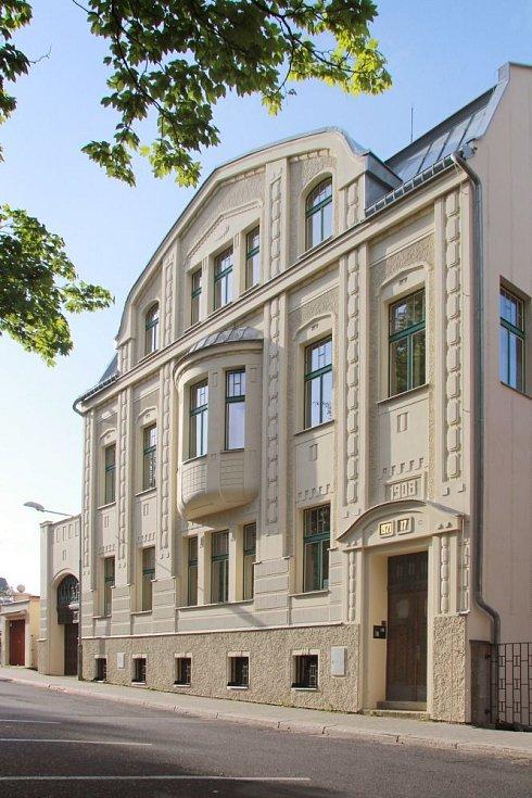 Secesní bytový dům Korejská - rekonstrukce fasád.