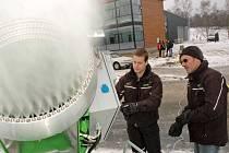 Zkouška sněhových děl ve Vesci - únor 2008.