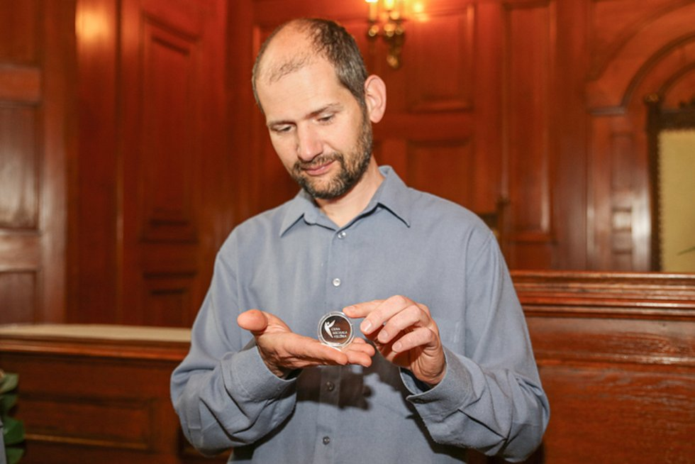 Za záchranu autobusu dostal Ivo Raisr cenu Michala Velíška