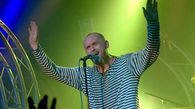 PARDON. Tomáš Hajíček a kapela Krucipüsk v sobotu v Liberci pokřtí své nové DVD.