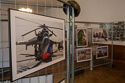 Vernisáž druhého ročníku putovní výstavy fotografií z vojenských misí Ten druhý život, proběhla v úterý 8. srpna v libereckých dolních kasárnách.