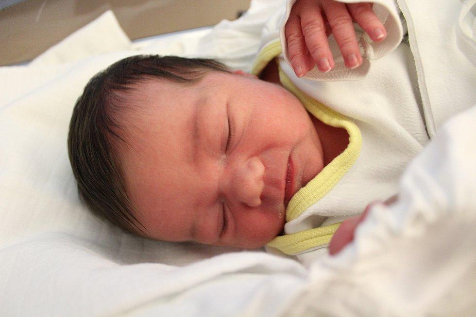 Eliška Motejlková. Narodila se 24. září v liberecké porodnici mamince Veronice Motejlkové z Turnova. Vážila 3,18 kg a měřila 50 cm.